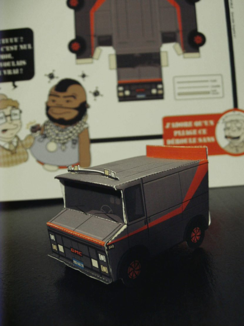 Photographie du camion de l'agence tous risque en paper toy